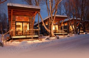 Fireside-Resort-02-1-Kind-Design-why-tiny-house-communities-dont-exist